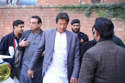 Imran Khan visits Capt Mubeen Ahmed's house for condolence