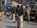 Kashmir Mein Bharti Police Hamle Mein...